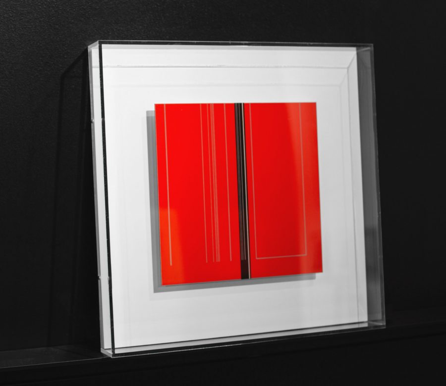 plexi-frame-red-art-sideview
