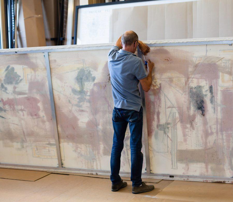 schildersdoek opspannen-groot-op-aluminium-spieraam